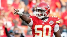 justin houston pointing